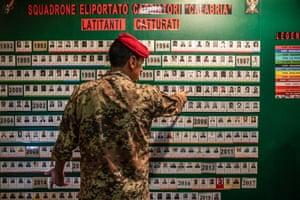 "List of fugitives, at the Carabinieri barracks in Vibo Valentia, captured from 1992 by Squadrone Carabinieri Eliportato ""Cacciatori Calabria"""