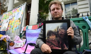 Nazanin Zaghari-Ratcliffe's husband, Richard, on hunger strike outside the Iranian embassy in London