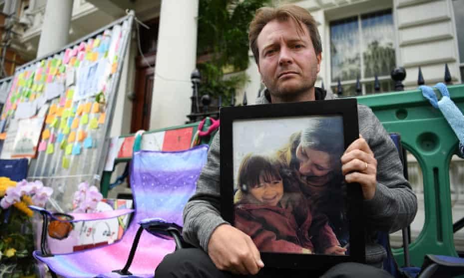 Nazanin Zaghari-Ratcliffe's husband, Richard, on hunger strike outside the Iranian embassy in London