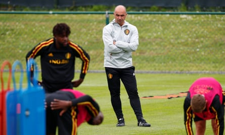 Roberto Martínez oversees Belgium training