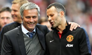 Ryan Giggs with José Mourinho, the then Chelsea manager, in 2013
