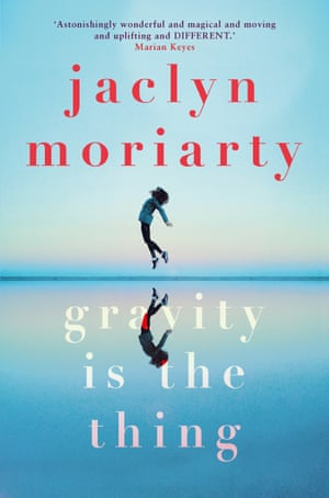 Book cover of Gravity is the Thing by Jaclyn Moriarty