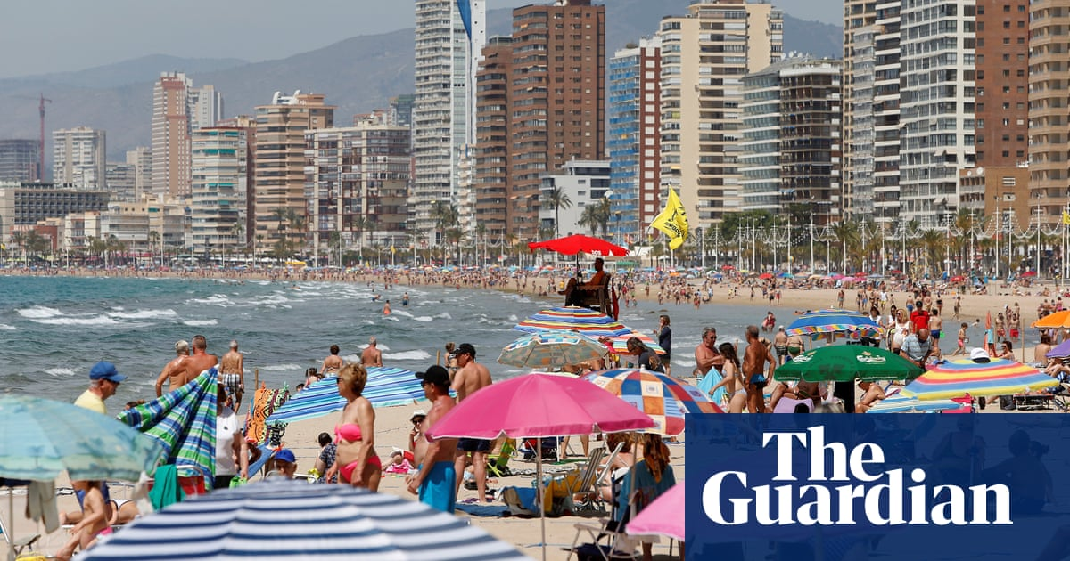 Spain's Valencia region presses to be added to UK travel green list