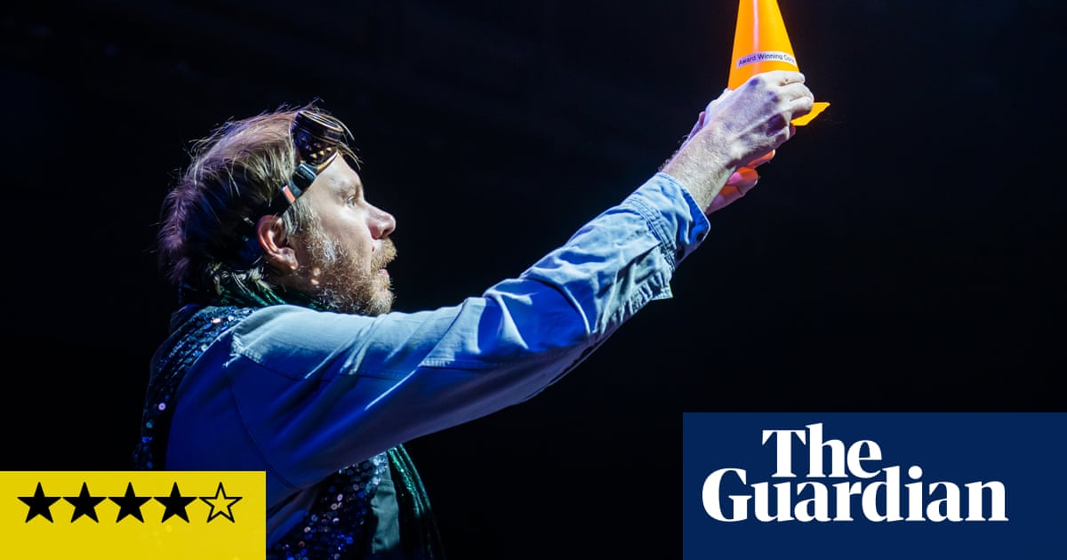 Curtain Up review – audience livens up poignant grab bag of short plays