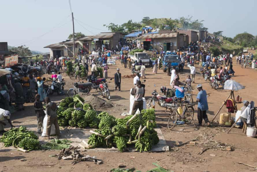Market day at a trading post, Fort Portal area, Uganda