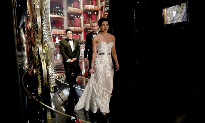 Priyanka Chopra leaves the stage after presenting award - Oscars 2016 Pictures/Images