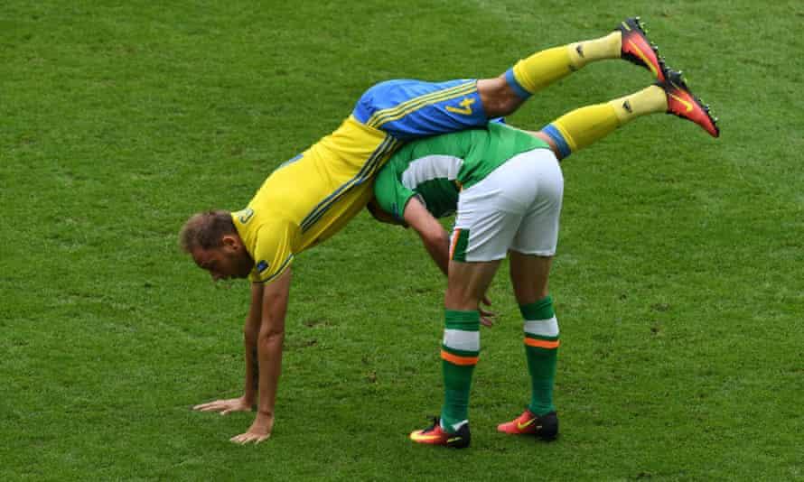 Ireland's Shane Long vies with Andreas Granqvist at Euro 2016.