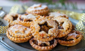 A  plate of mince pies