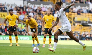 Ivan Toney scores the first goal from the penalty spot.