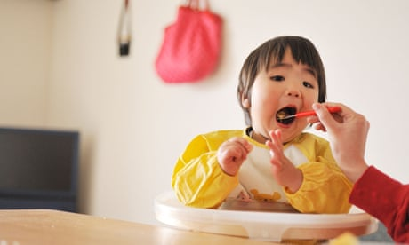 Early introduction of peanuts and eggs cuts allergy risk, study finds