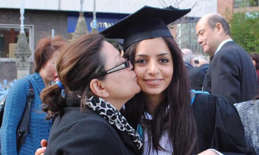 Sakineh Afrasiabi kissing her daughter Nazanin.