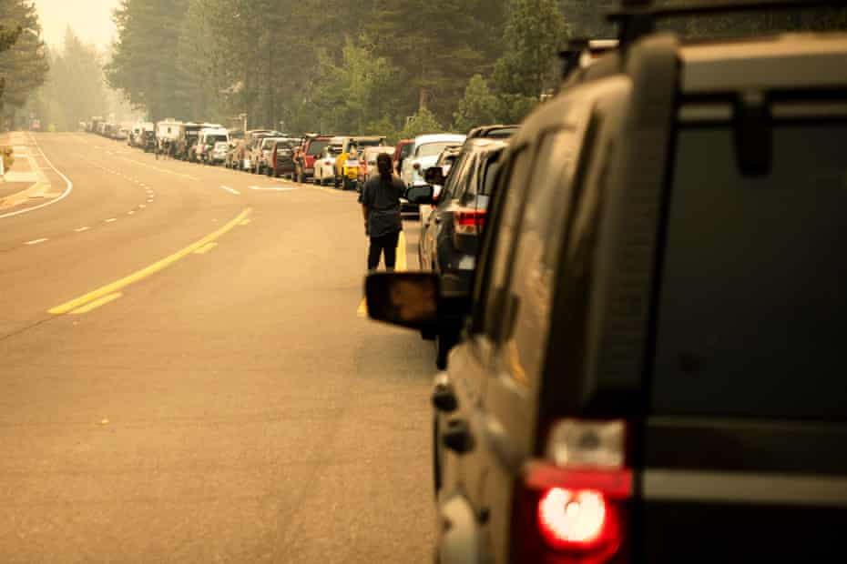 Gridlock as South Lake Tahoe residents flee the Caldor Fire.