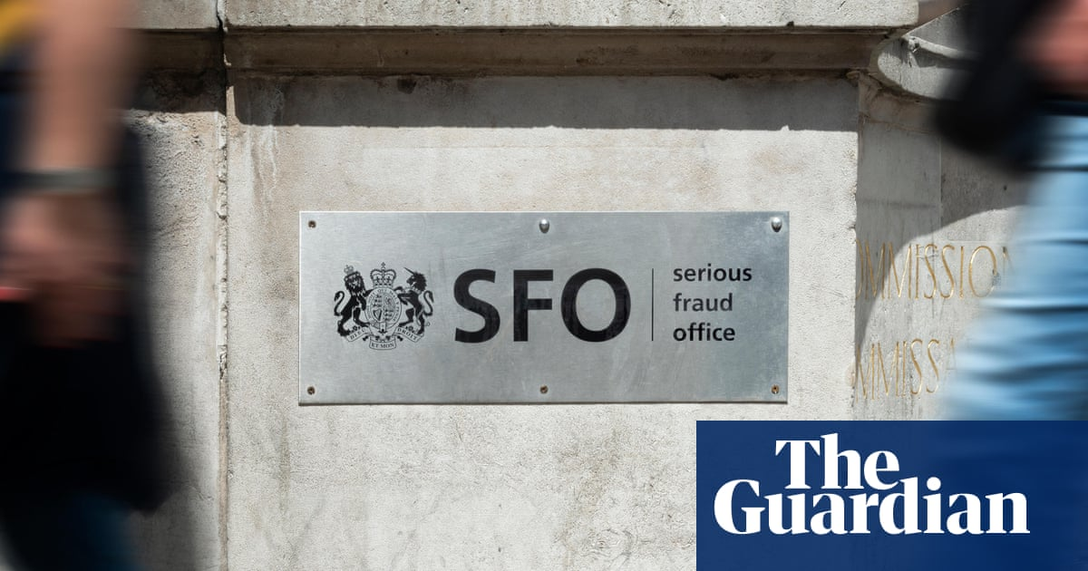 Fraud prosecutors concealed misconduct files in bribery inquiry, court hears