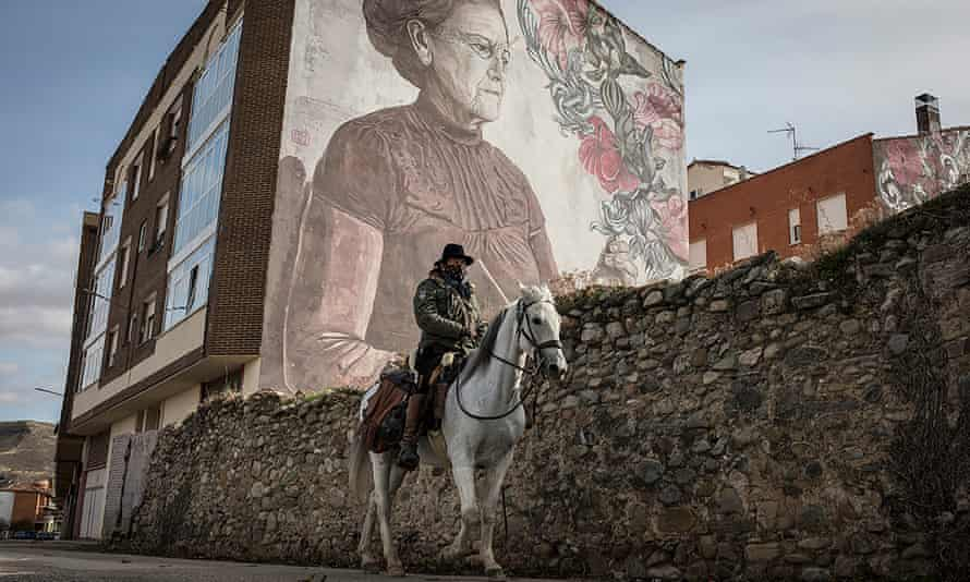 A man on horseback on the Camino in October 2020