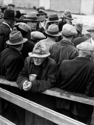 White Angel Breadline, San Francisco, 1933.