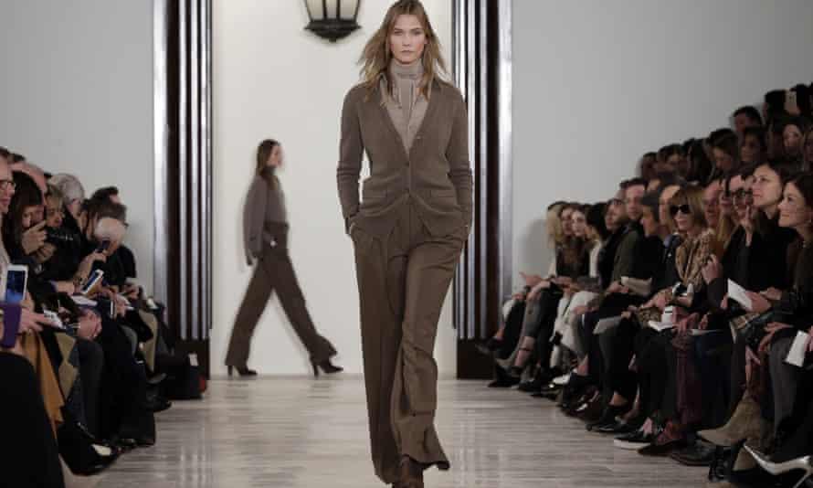 Karlie Kloss on the catwalk