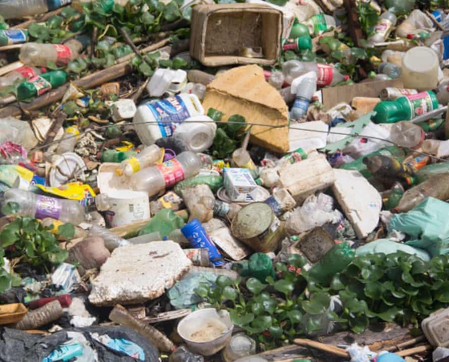 Plastic pollution in the Tejipió, Recife, Brazil