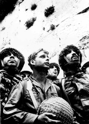 David Rubinger made his name with this photograph, taken on 7 June 1967, of Israeli paratroops at the Western Wall in Jerusalem after it was secured during the six-day war.