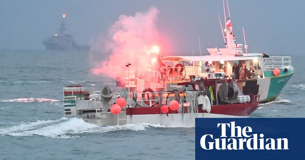 EU accuses UK as France seeks to 'rapidly defuse' Jersey fishing row - the guardian