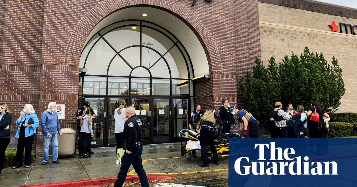 Suspect held after two killed in shooting at Idaho shopping mall