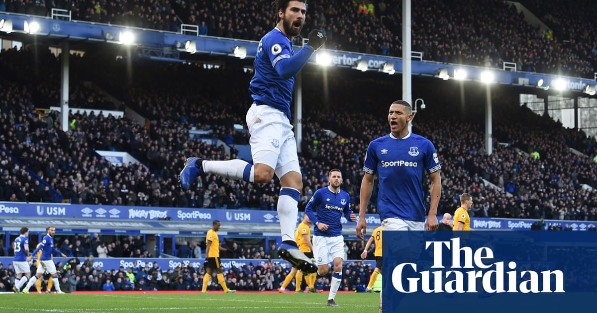West Ham bid £20m for Barcelona's André Gomes but fear