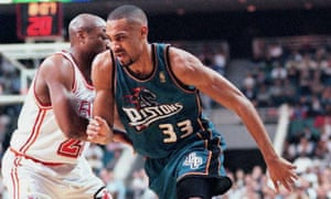Poor Grant Hill: forced to wear pathetic these pantone colors, the antithesis of fashion forward.