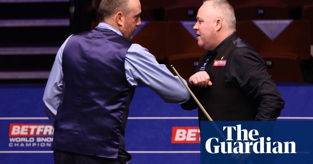Mark Williams defeats John Higgins to move into last eight at Crucible