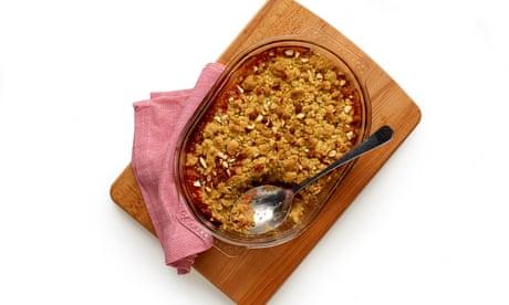 How to make the perfect rhubarb crumble