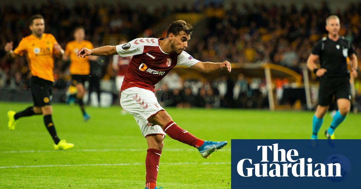 Wolves make poor start to group stage as Braga exploit sloppy defending
