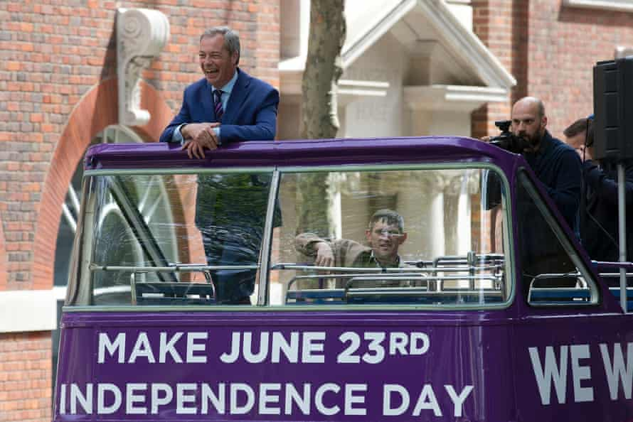 Nigel Farage campaigning for Brexit