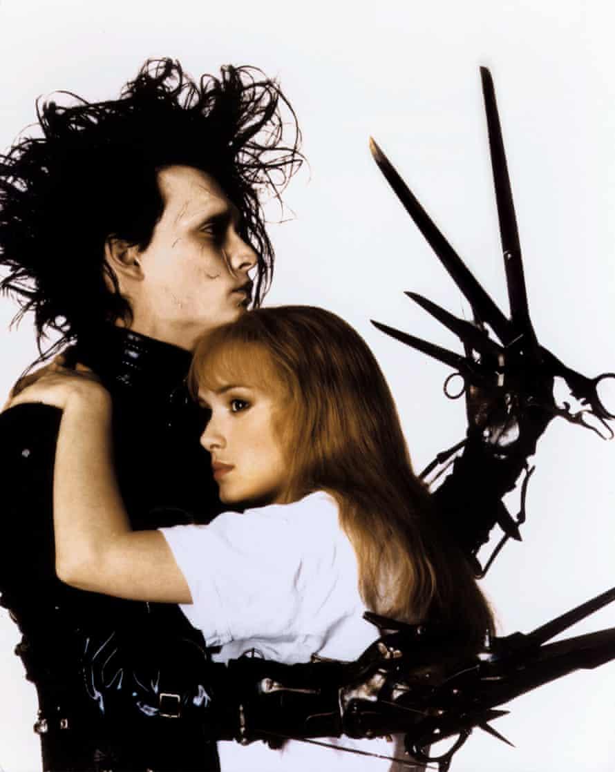 Ryder with Johnny Depp in Edward Scissorhands.
