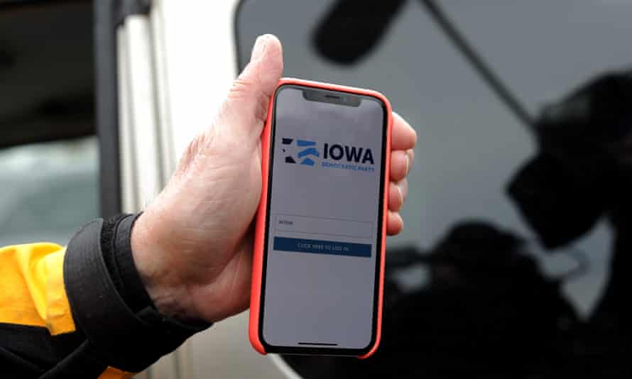 The announcement of the results in the Iowa presidential caucuses have been delayed after inconsistencies were found late Monday night.