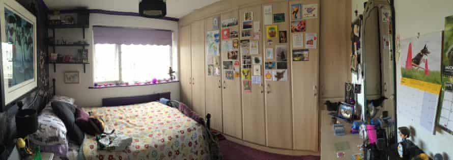 Panoramic of Faye's bedroom