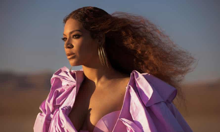 Beyoncé ... in the pink.