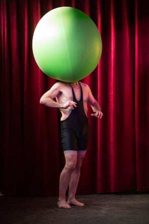 Bruce Airhead brings his comedy cabaret and street theatre act to Le Haggis for the first time in 2018