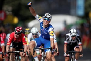 Kittel celebrates winning the stage.