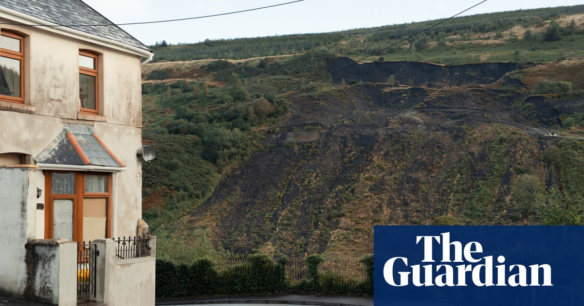 Welsh government calls on Westminster to help fund safety of coal tips