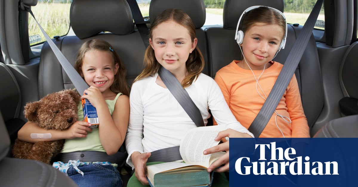 Break out the snacks, build a 'peace wall' … 10 guaranteed screen-free ways to entertain kids in the car