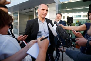 Greece's Finance Minister Yanis Varoufakis reacts as he speaks to journalists after a meeting at the OECD in Paris, France, June 17, 2015. Greek Finance Minister Yanis Varoufakis said on Wednesday he and his euro zone counterparts were unlikely to reach a aid-for reforms deal at a meeting on Thursday. Varoufakis said Greece and its international lenders needed to strike a deal at the level of heads of state and government. REUTERS/Charles Platiau