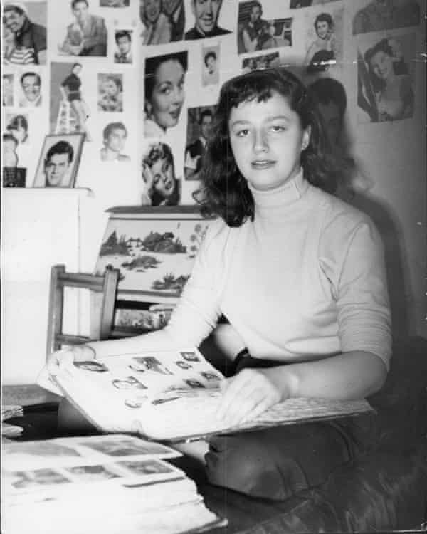 Jackie Collins, aged 16.