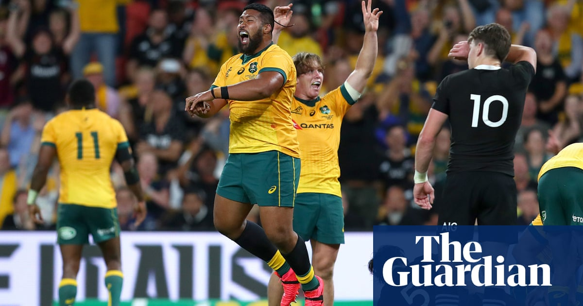 Two red cards as Wallabies upset All Blacks in final Bledisloe Cup Test