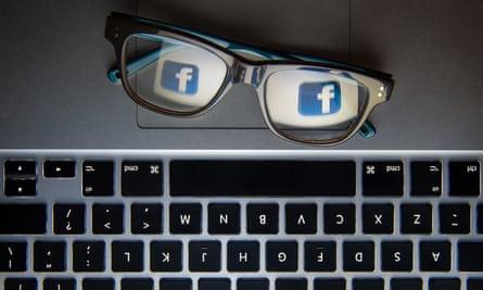keyboard glasses facebook
