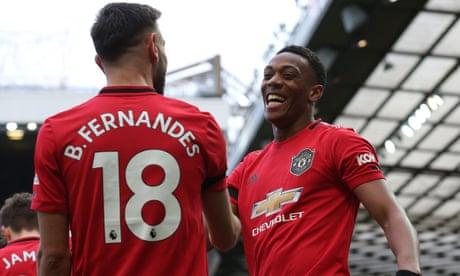 Manchester United 3-0 Watford, Wolves 3-0 Norwich: Premier League clockwatch – as it happened