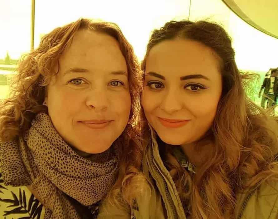 Hiba al-Khalil, right