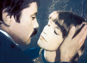 Glenda Jackson and Oliver Reed in Women In Love