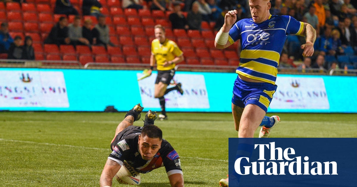 Ken Sio's hat-trick for Salford leaves weary Warrington chasing shadows