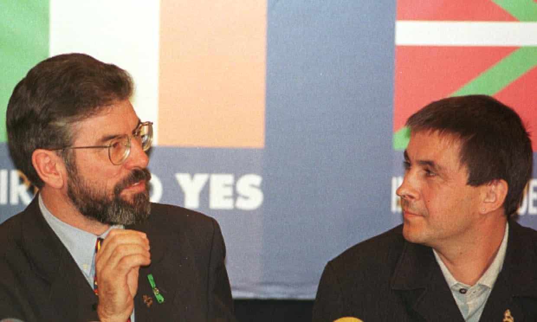 Gerry Adams and Arnaldo Otegi