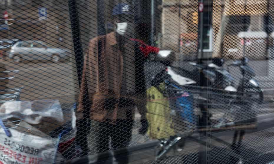 A chatarrero or scrap-metal collector in Barcelona,