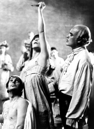 IAN RICHARDSON as Jean-Paul Marat, GLENDA JACKSON as Charlotte Corday and PATRICK MAGEE as De Sade in MARAT / SADE (1967)