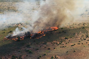 A fire management burn in Katiti Petermann.